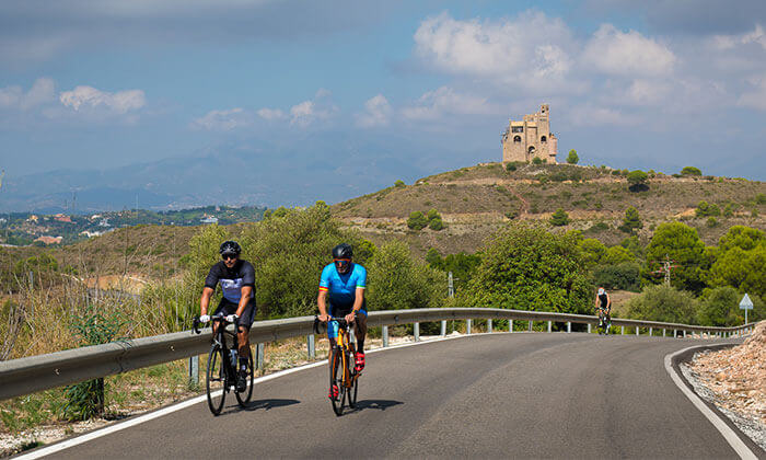 Alhaurín el Grande Guide - Popular destination for cyclists and other sports enthusiasts