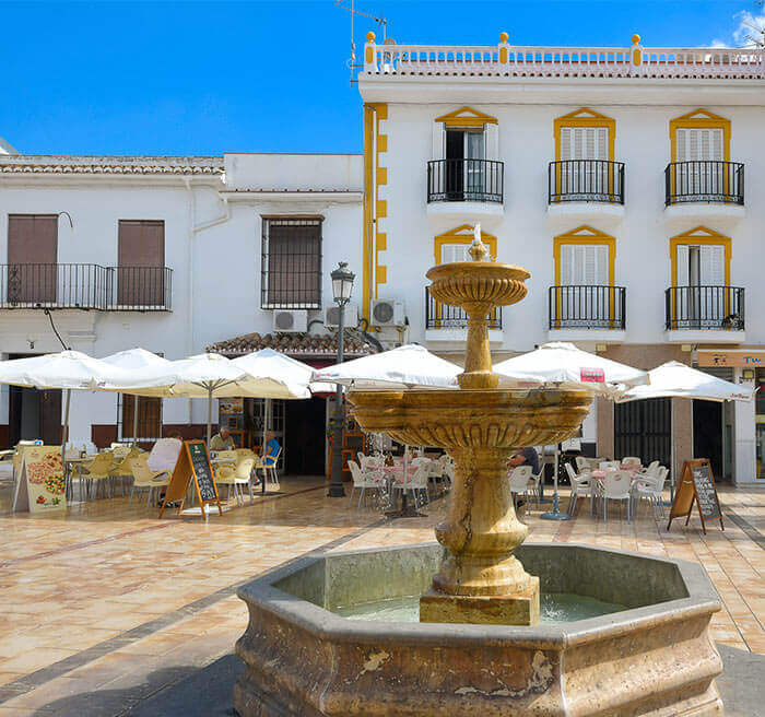 Alhaurín el Grande Guide - Attractive fountain features in town centre