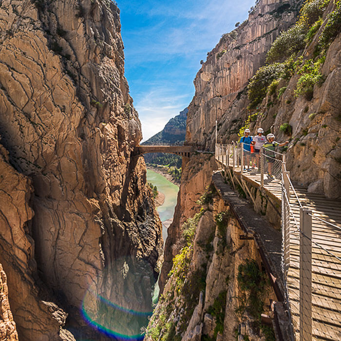 Álora Guide - Dramatic vistas and treks along the internationally-renowned Caminito del Rey
