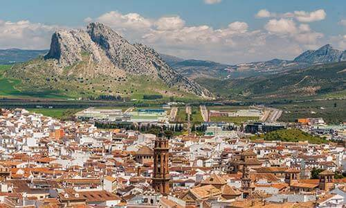 Antequera Guide - Looming over Antequera... the majestic