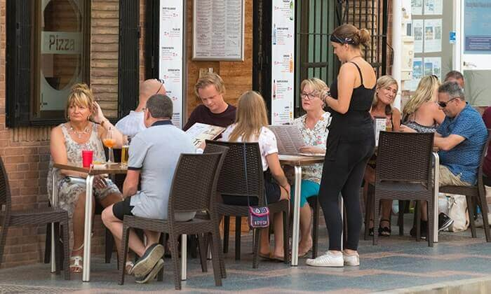 Mijas Costa Guide - Enjoying a pleasant family meal in Mijas Costa