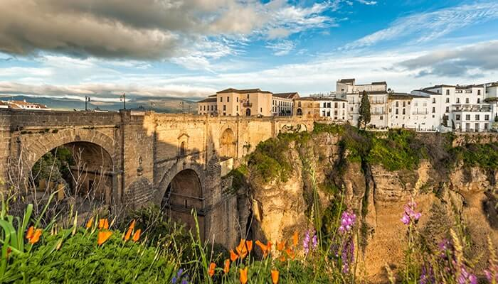 Dramatic vistas overlooking the Ronda roman bridge