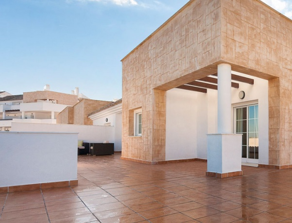 Spanish house prices increased 6.5% in December