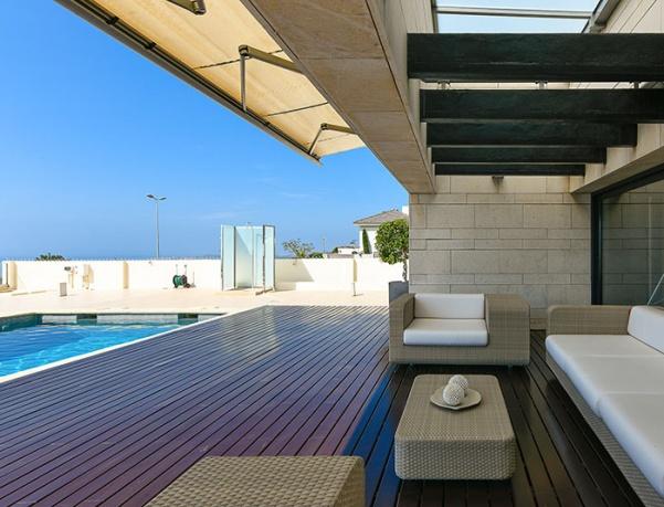 VIVA's Premium Property: Modern, independent villa for sale in Benalmádena